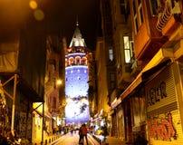Istanbuł Beyoglu Galata wierza noc zdjęcia royalty free