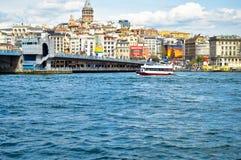 Istanbu? Bosphorus Galata wierza i Galata most zdjęcia royalty free