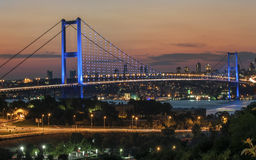 Istanbuł Bosphorus most i noc widok Zdjęcia Royalty Free