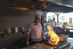 ISTANBUŁ TURCJA SEPT 28 2014 szef kuchni w restauraci Obraz Royalty Free