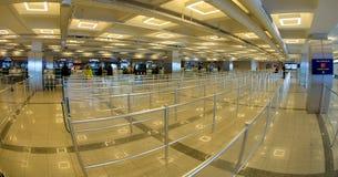 Istanbul Atatürk flygplats - incheckning Arkivbild