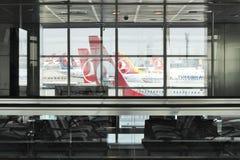 Istanbul Ataturk flygplatsterminal Royaltyfri Fotografi