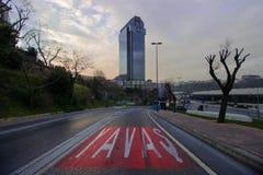 Istanbul Besiktas/Turkiet 07 04 2019: Suzer Plazasikt, Iconic byggande Suzer Plaza royaltyfria bilder
