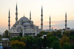 istanbul Blå moské på skymning Arkivbild