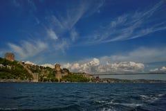 Istanbul Bosphorus bro och Rumeli fästning Royaltyfri Fotografi