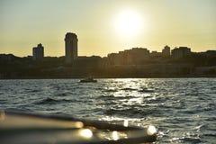 Istanbul Bosporus med yatch Fotografering för Bildbyråer