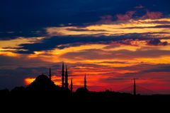 Istanbul cityscape with famous mosque at sunset Royalty Free Stock Photos