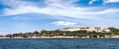 Istanbul in der panoramischen Ansicht lizenzfreie stockbilder