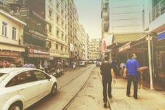 ISTANBUL, die TÜRKEI - 22. August: Leute auf Straße Lizenzfreie Stockbilder