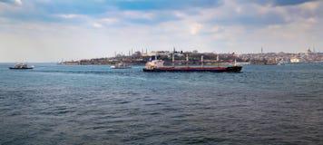 ISTANBUL, DIE TÜRKEI - 27. MÄRZ 2012: Bosporus Historischer Stadtteil Stockfotografie