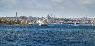 ISTANBUL, DIE TÜRKEI - 27. MÄRZ 2012: Bosporus Historischer Stadtteil Lizenzfreie Stockfotos