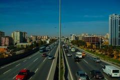 Istanbul, die Türkei - 10. November 2009: Stau auf der Autobahn Lizenzfreies Stockbild
