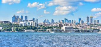 Istanbul du centre vu du détroit du Bosphore Photos libres de droits