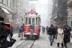 Istanbul an einem schneebedeckten Tag lizenzfreies stockbild