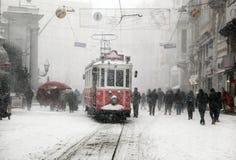 Istanbul an einem schneebedeckten Tag stockbild