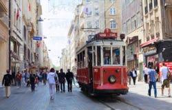 Istanbul gammal spårvagn Arkivbild