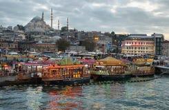 Istanbul horisont på solnedgången Royaltyfri Bild