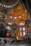 ISTANBUL - 10 JULI 2015: inom basilikan av Hagia Sophia Fotografering för Bildbyråer