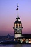 istanbul jungfru- s torn Arkivfoton