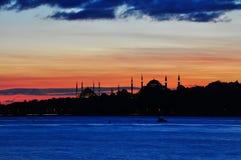 Istanbul kontur Fotografering för Bildbyråer