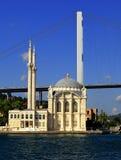Istanbul, Ortakoy-Moschee Stockfotografie