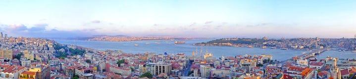 Istanbul panoramisch lizenzfreies stockbild
