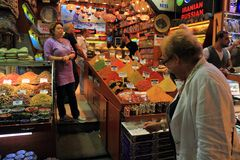 Turkey, Istanbul: Selling spices Royalty Free Stock Photos