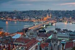 Istanbul-Skylinepanorama Stockfotos