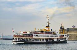 Istanbul-Stadt-Linien Fähre Lizenzfreie Stockbilder