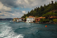 ISTANBUL, TURKEY - August 3, 2015: Home on the coast of the Bosphorus. A boat trip on the Bosphorus. Stock Images