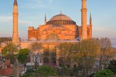 ISTANBUL TURKIET - APRIL 27, 2015: Hagia Sophia, tidigare kristen tempel som byggs i det 5th århundradet Fotografering för Bildbyråer