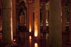 Istanbul Turkiet - basilikacistern, sjunken slott Arkivfoton