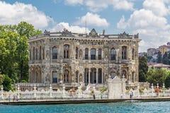 Istanbul Turkiet, Juni 9, 2013: Kucuksu paviljong royaltyfria foton