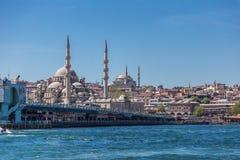 Istanbul Turkiet, Maj 28, 2013: Ny moské Yeni Camii royaltyfri foto