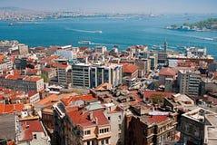 ISTANBUL TURKIET - MAJ 3: Sikt från det Galata tornet i Istanbul, nolla Royaltyfri Bild