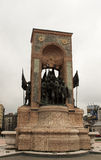 Istanbul Turkiet - monumentet av republiken på den Taksim fyrkanten Royaltyfria Foton