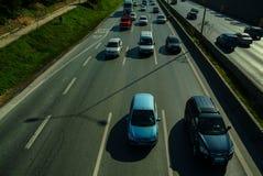 Istanbul Turkiet - November 10, 2009: Trafikstockning på huvudvägen Royaltyfri Foto