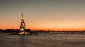 Istanbul Turkiet, September 23, 2012: Sikt av jungfruns torn Arkivfoto