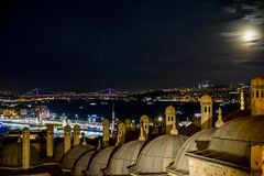 Istanbul unter fullmoon Lizenzfreie Stockfotografie