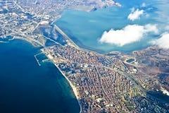 Istanbul vom heigh des Vogelfluges lizenzfreie stockbilder