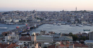 Istanbuls Galata-Brücke lizenzfreie stockfotos