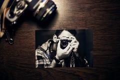Istantanea del fotografo con la macchina fotografica Immagine Stock Libera da Diritti
