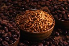 Istante del mucchio e del coffe dei chicchi di caffè fotografia stock