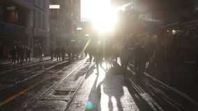 Istiklal街道,太阳,圣诞节,人们拥挤了,伊斯坦布尔istiklal街道,土耳其12月2016年, 影视素材