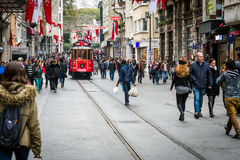 Istiklal gata, Istanbul, Turkiet Arkivfoto