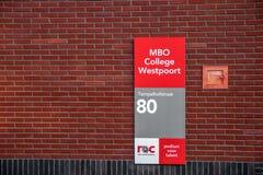 Istituto universitario Westpoort ROC At Amsterdam The Netherlands 2018 del MBO del tabellone per le affissioni fotografia stock