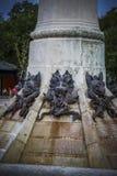 istota, czarcia postać, brązowa rzeźba z demonic gargulecami Obraz Stock