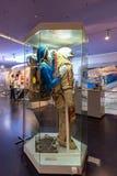 Istota ludzka w Spacesuits szczegółach na pokazie wśrodku muzeum kosmonautyka Zdjęcie Royalty Free