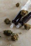 Istotny olej robić od leczniczej marihuany fotografia royalty free