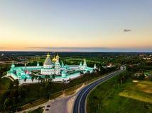 istrajerusalem kloster nya russia Flyg- sikt av den berömda gränsmärket Arkivbild